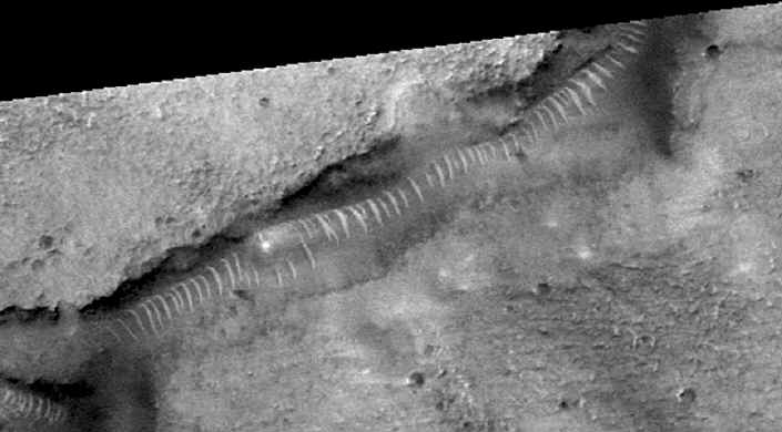 Tube like structure on Mars